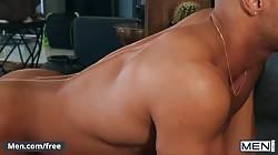 Mencom - Sean Zevran Sucks And Rides Calhoun Sawyer's Hard Cock & Gets Huge Facial